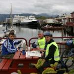 Brønnøysund Leif, Terje og Johnny har kaffepause. Hvor er Knut tro, sikkert på jobb? Regner med at det er Ronald som er fotograf.